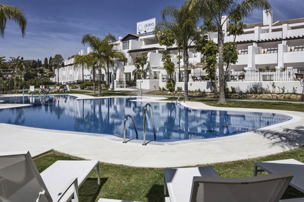 Christophe Desimpel opent health resort in Marbella