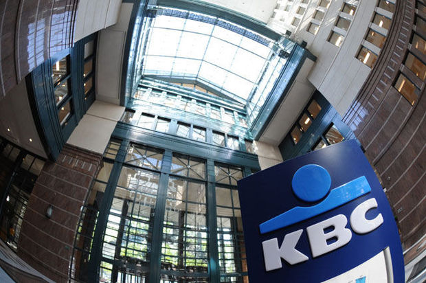 Moody's knipt in rating KBC