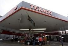 Tankstations Texaco in de etalage